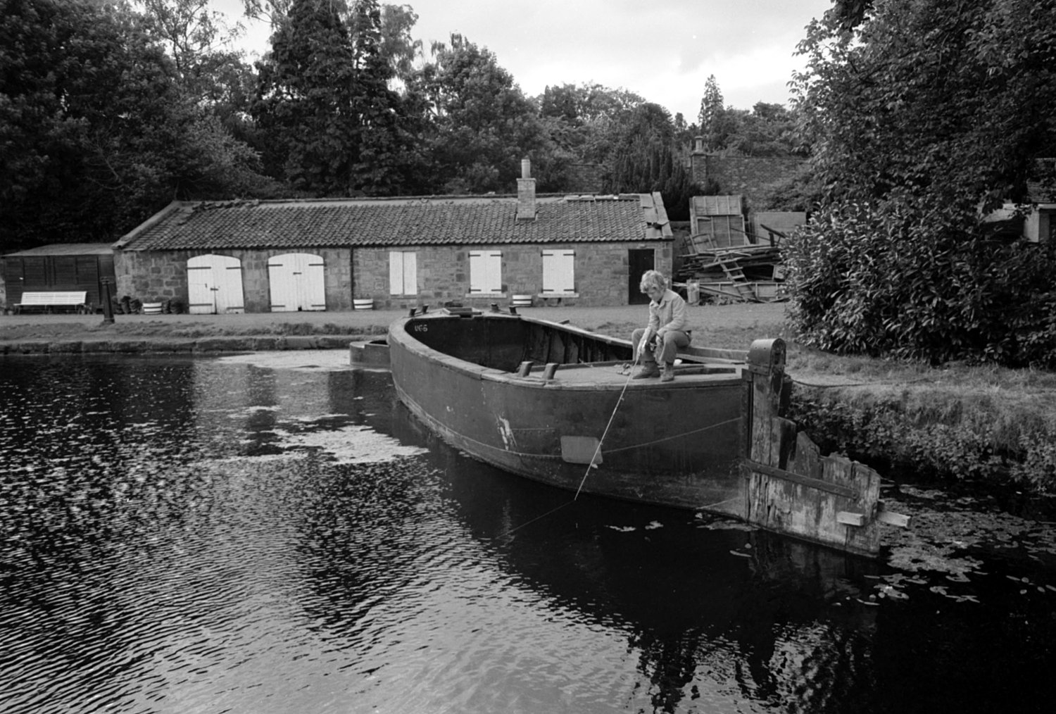 Boy fishing at Manse Basin in 1977 (c) The Scotsman Publications Ltd